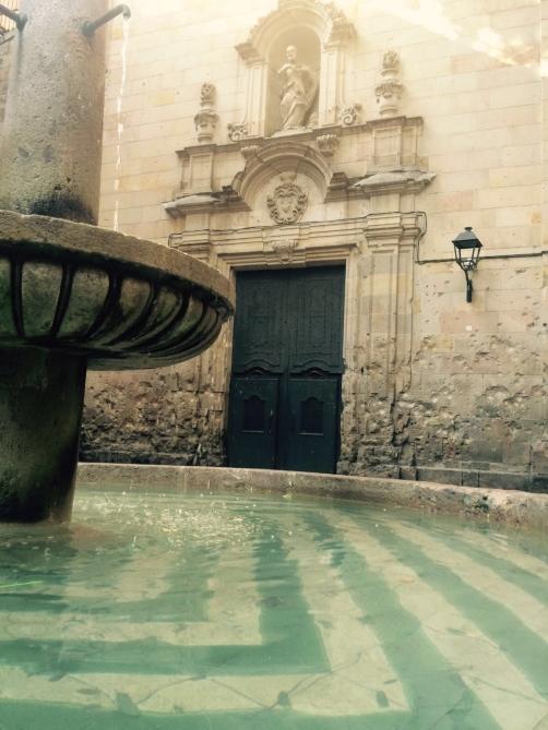 Hidden hideouts-Placa Sant Felip Neri-4